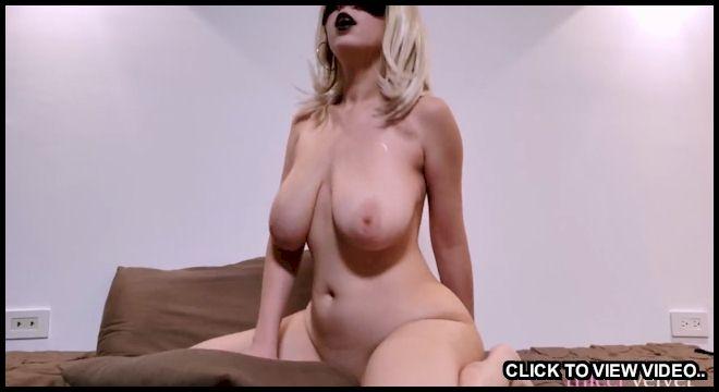 Big tit amateur blonde rides a pillow for pleasure