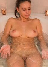 Getting Nuaghty In Bathtub