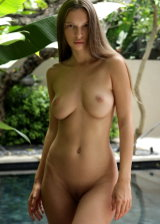 Hot Babe Posing Nude
