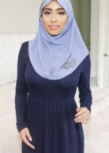 Sexy Busty Babe In Hijab