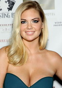 Kate Upton Cleavage at No Premiere