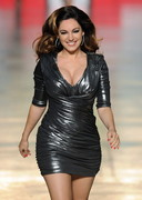 LOOK! Kelly Brook is on the Catwalk