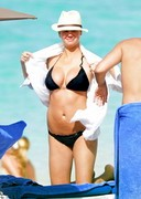 Kate Upton Bikini Candids from Bahamas