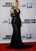 Nicki Minaj Cleavage at the 2013 BET Awards