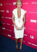 Jenny McCarthy's Cleavage is Stylish