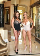 Kelly Madison and Eva Notty doing Dildos