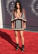Kim Kardashian's Deep V at the 2014 MTV Video Music Awards!