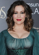 Alyssa Milano's Boobs are Into the Woods!