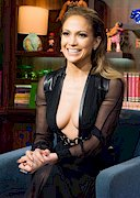 Jennifer Lopez Super Cleavage LIVE on TV!