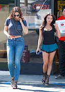 Kelly Brook Midriff and Natalie Loren Cleavage!