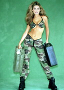 Kelly Brook is Sexy in Camouflage!